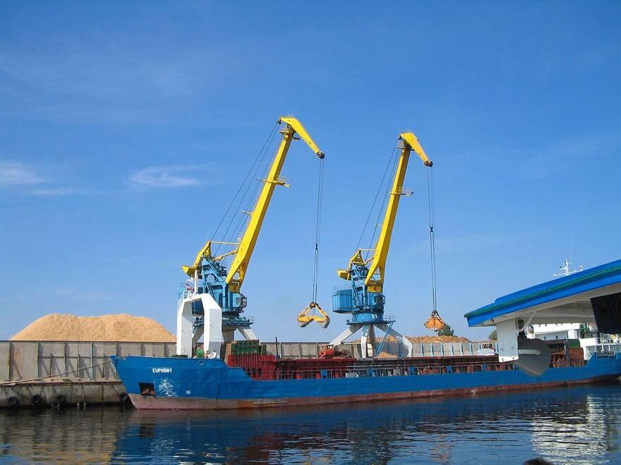 lettland-hafen-kran-transport