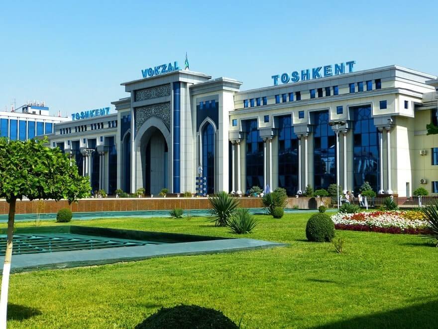 usbekistan-bahnhof-taschkent-min